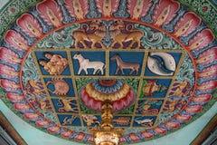 Plafond van een Hindoese Tempel Stock Foto