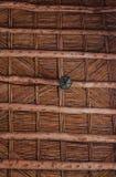 Plafond van het Maroccan het houten takje Bamboeplafond in Afrikaans huis Traditioneel houten plafond in het huis van Berbers royalty-vrije stock afbeeldingen
