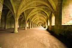 Plafonds sautés dans l'abbaye de fontaines dans Yorks du nord photos stock