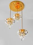 Plafoniera di cristallo dorata, lampada di pendente, illuminazione di cristallo di Œceiling del ¼ del chandelierï, illuminazione  Fotografia Stock