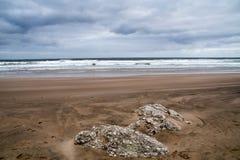 Plage à la côte irlandaise Photo libre de droits