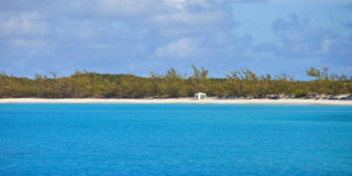 Plage abandonnée en Bahamas Photo stock