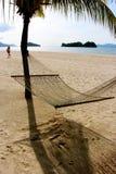 Plage abandonnée par Malaisie d'île de Langkawi Photos stock