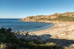 Plage abandonnée sur la côte de DES Agriates de désert en Corse Images libres de droits