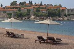 Plage abandonnée sur la Mer Adriatique près de Sveti Stefan Photo stock