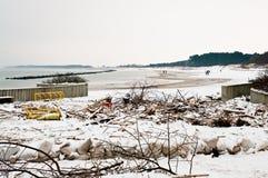 Plage après tempête lourde en Pologne Photos libres de droits
