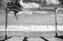 Plage après une tempête Image libre de droits