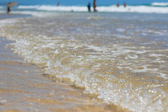 Plage australienne avec de l'eau Photos libres de droits