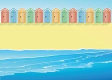 Plage avec des huttes de plage Photo libre de droits