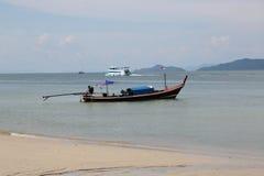 Plage, bateau thailand images libres de droits