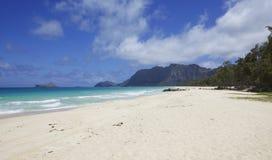 Plage blanche de Hawaïen de sable Photos libres de droits