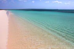 Plage blanche de sable Photographie stock libre de droits