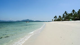 Plage blanche de sable en Thaïlande sur Koh Muk Island Photos libres de droits