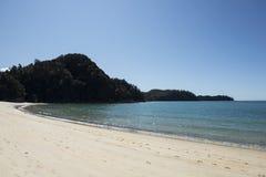 Plage blanche de sable, Nouvelle-Zélande Photographie stock libre de droits