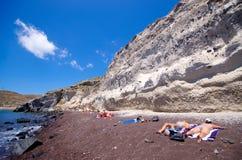 Plage blanche sur l'île de Santorini, Grèce Images libres de droits