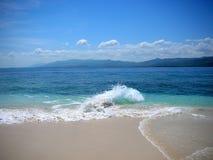 Plage blanche tropicale de sable Images libres de droits