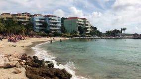 Plage bleue de baie, Curaçao banque de vidéos