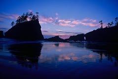 Plage bleue de coucher du soleil deuxièmes, parc national olympique Photos stock
