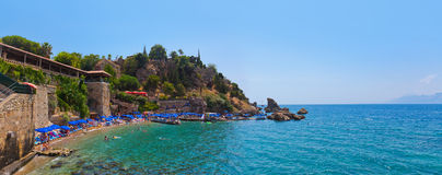 Plage chez Kaleici à Antalya, Turquie Photos libres de droits
