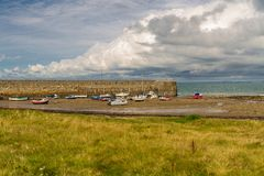 Plage chez Trefor, Pays de Galles du nord Photos stock