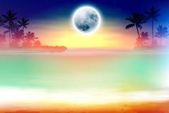 Plage colorée avec les palmiers et la pleine lune Photos stock