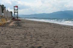 Plage Crète de Platanias, pendant une tempête de mer Photos libres de droits