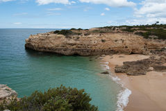 Plage d'Albandeira Carvoeiro - Algarve Photographie stock libre de droits