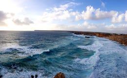 Plage d'Algarve avec l'océan Image libre de droits