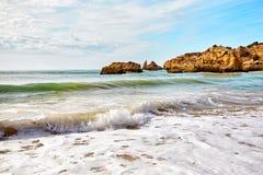 Plage d'Algarve, Portugal Images libres de droits