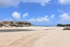 Plage d'Andicuri avec le sable blanc dans Aruba Images libres de droits