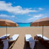 Plage d'Ibiza Cala Bassa avec la turquoise méditerranéenne Images stock