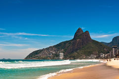 Plage d'Ipanema sur Sunny Summer Day Image stock