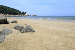 Plage d'île de Wuyu avec la roche Photos libres de droits