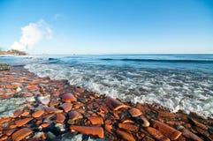 Plage d'Ontario de lac en hiver images libres de droits