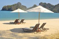 Plage d'une manière éblouissante belle en plage de Tanjung Rhu, Langkawi, Malaisie Photos libres de droits