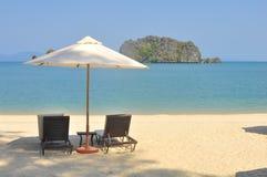 Plage d'une manière éblouissante belle en plage de Tanjung Rhu, Langkawi, Malaisie Image stock