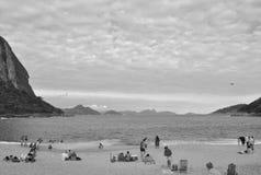 Plage d'Urca, Rio de Janeiro, Brésil. Photographie stock libre de droits