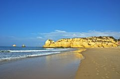 Plage dans Algarve Photo libre de droits