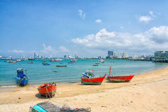 Plage dans la ville de Pattaya Photos stock