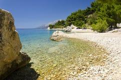 Plage dans Makarska la Riviera, Dalmatie, Croatie Photographie stock