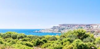 Plage de baie de Tuffieha, Malte Photos stock