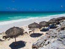Plage de Blanca de Playa dans Cayo largo, le Cuba Photographie stock