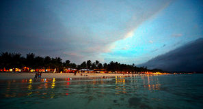 Plage de Boracay au coucher du soleil Images libres de droits