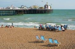 Plage de Brighton et pilier, Angleterre Photographie stock
