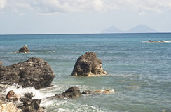 Plage de Brolo, Messine, Sicile Images stock