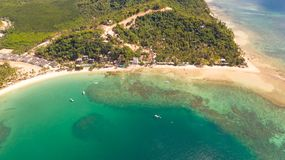 Plage de cabanes de Las ?les et plages d'EL Nido photos libres de droits