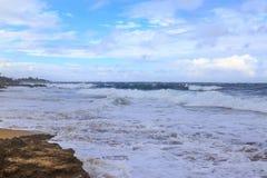 Plage de Condado avant crépuscule à San Juan, Puerto Rico images libres de droits