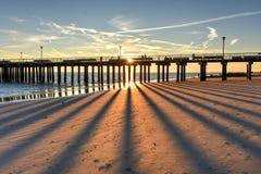 Plage de Coney Island au coucher du soleil photo stock
