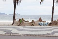 PLAGE DE COPACABANA, RIO DE JANEIRO, BRÉSIL - NOVEMBRE 2009 : Artiste Photos stock