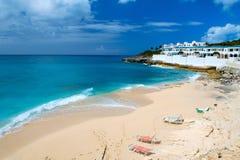 Plage de Cupecoy sur St Martin la Caraïbe Image libre de droits